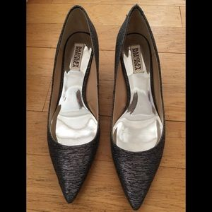 Badgley Mischka metallic kitten heels size 9
